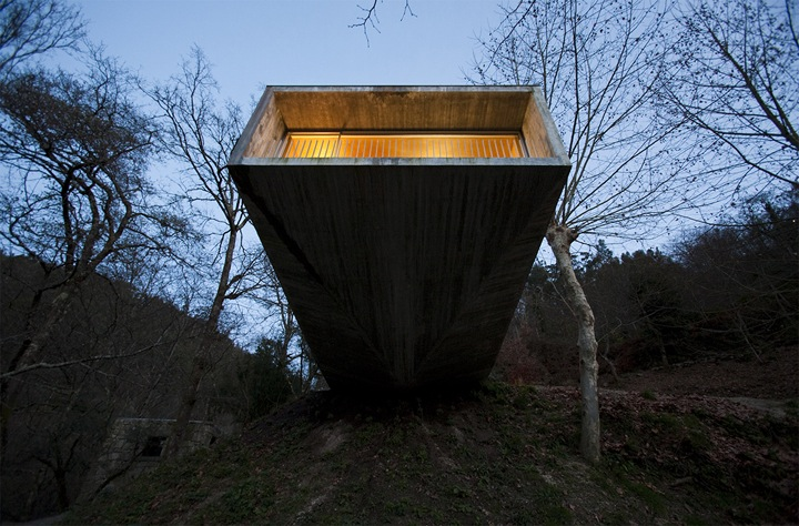 Correia Ragazzi: House in Geres