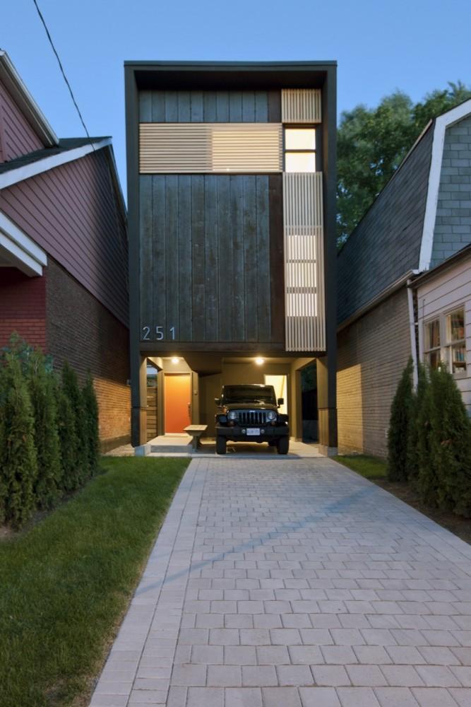 Atelier Rzlbd: Shaft House