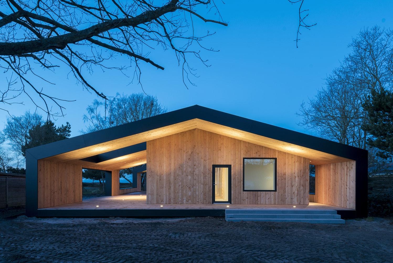 CEBRA: Summer House | Sgustok Design