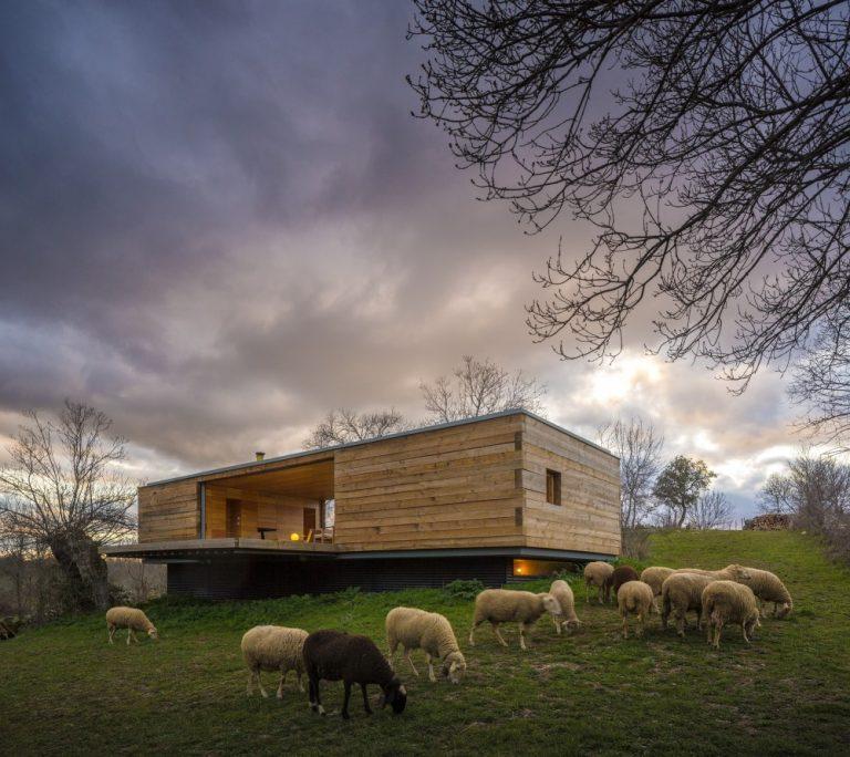 CH+QS Arquitectos: B House