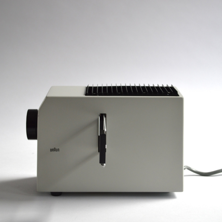 Dieter Rams: Braun D 10