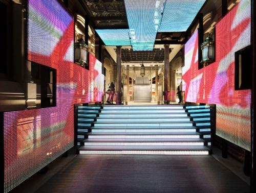 Estudio-Mariscal-HM-Store-in-Barcelona
