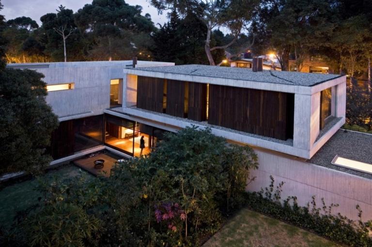 Felipe Gonzalez-Pacheco: Twin Houses