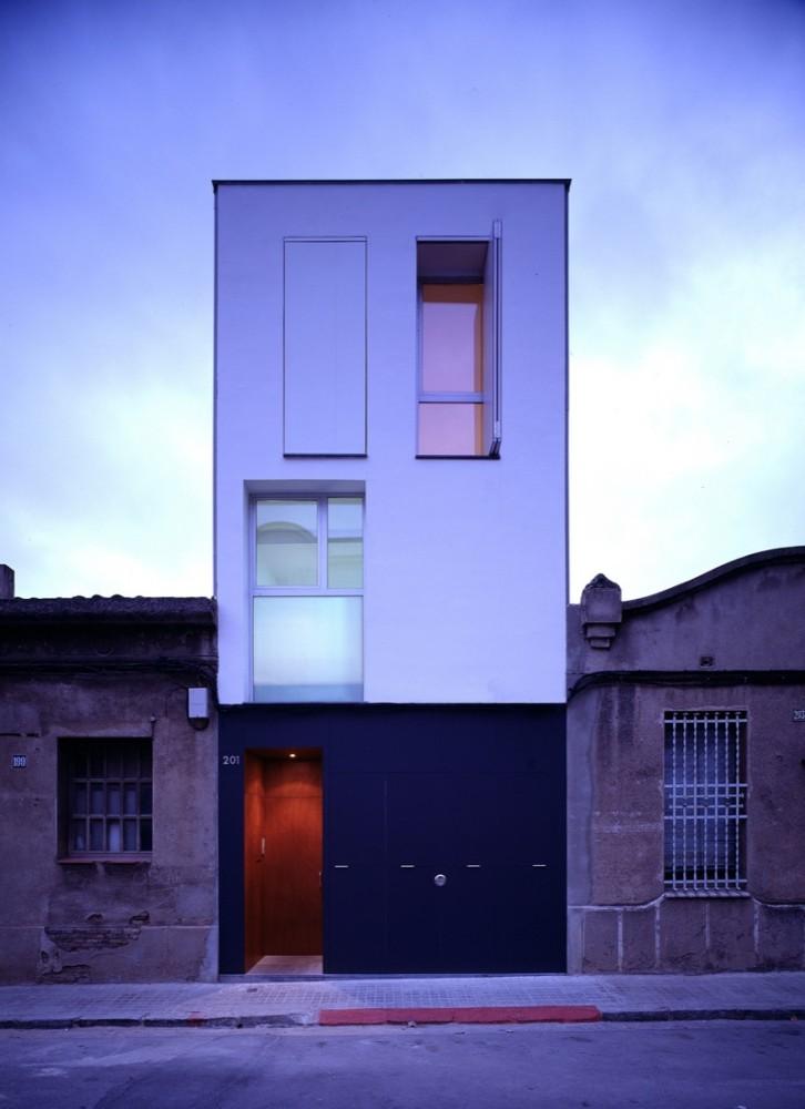 H Arquitectes: 127 House