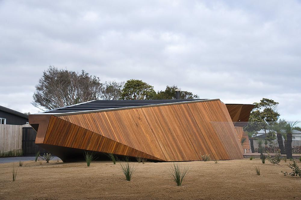 Mcbride Charles Ryan Letterbox House Sgustok Design Part 4 - Letterbox-house-in-blairgowrie-australia