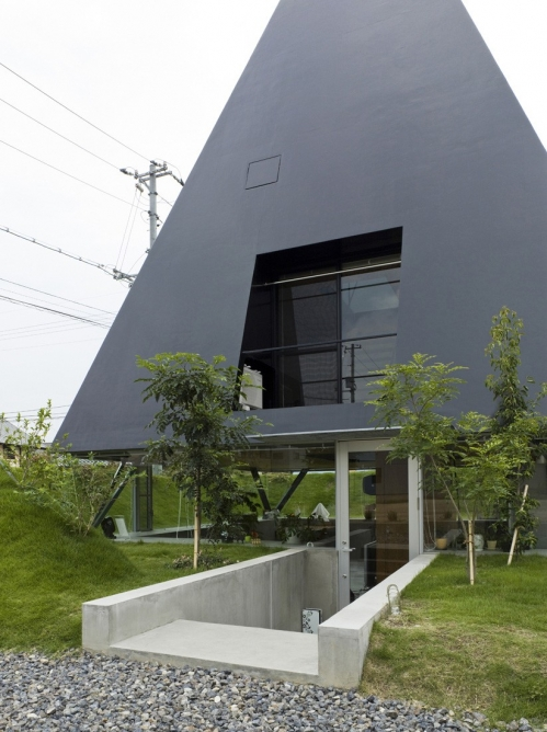 Suppose Design Office: House in Saijo