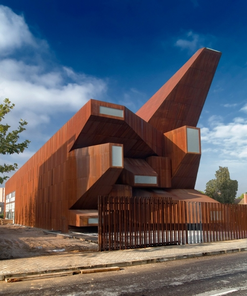 Vicens & Ramos: Parish Church Of Santa Monica